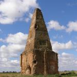 Монументи та захоронення